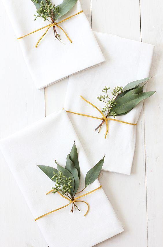Eucalyptus Placesetting \ Christmas decor / Tablesettings