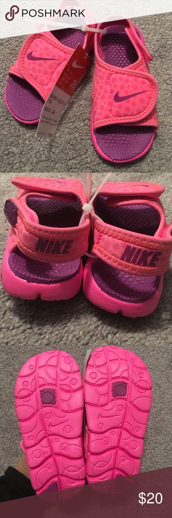 New. Nike toddler girls sandals Pink nike sandals for girls . Velcro in back. New Nike Shoes Sandals & Flip Flops