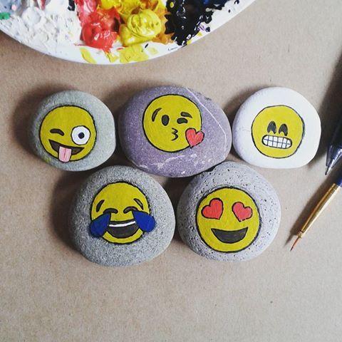[Friend Safari Fairy] Lix Sannya 092f3f050715ee036757a9a511541b6c--emoji-rocks-painted-rocks
