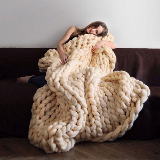 Heute Morgen bei unseren Kolleginnen vonCosmopolitan.com gesehen und gleich verliebt: super chunky XXL-Wolldecken!Die überdimensionalen