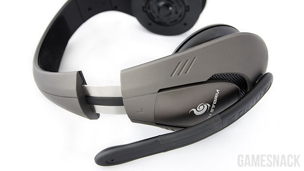 De Sonuz Cooler Master gaming headset is de tweede headset uitgebracht door Cooler Master onder de CM Storm naam. Deze is de meest volwassen bedrade headset uit hun gamma en zou met zijn grote speakers een vol geluid leveren en groot bereik hebben. Nadeel hiervan zijn de grote afmetingen en het hoge gewicht. Deze headset kan zo de eerste stap in je Cyborg transformatie betekenen! Volledige review @ http://gamesnack.be/nieuws/cooler-master-storm-sonuz-review/