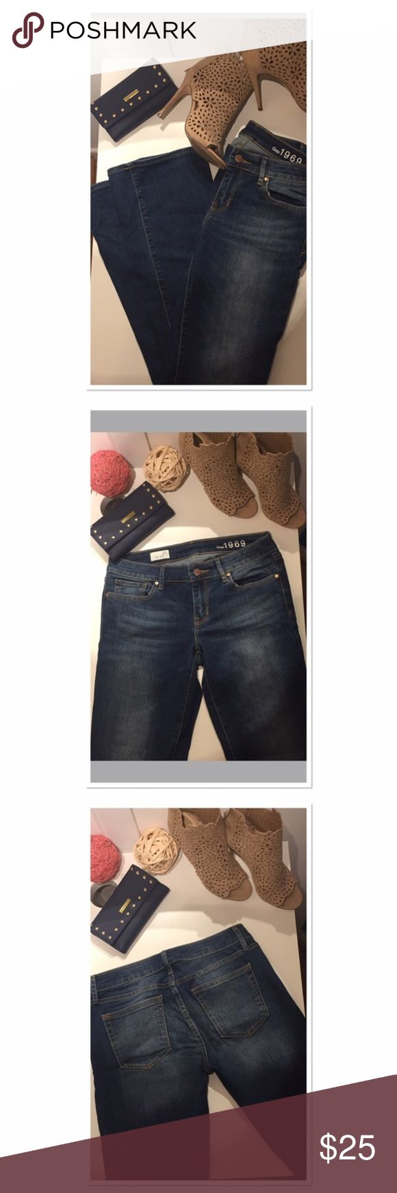 Gap jeans bootcut straight regular fit size 28R These Gap bootcut jeans hug your body perfectly! Very comfortable, only worn couple times- great condition. Size 27 R. Approximately: Inseam 30, waist 30 GAP Jeans Boot Cut