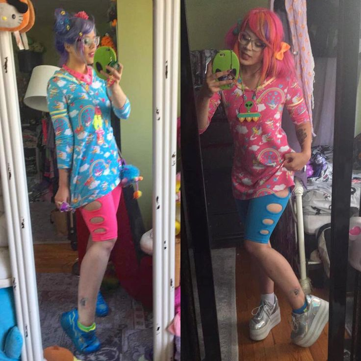 So excited to get my new peeker shorts from #cyberdog ! I finally got this #6dokidoki piece in blue and I've been dying to recreate this look from the end of summer with the opposite colors 💘😝🌈 • • • • #popkei