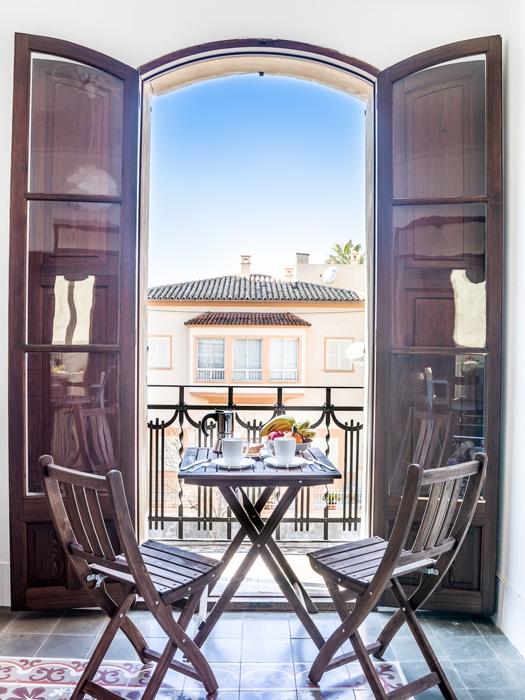 Beautiful vacation rental in the neighborhood of Santa Catalina. For more info: http://www.homeaway.com/vacation-rental/p895393