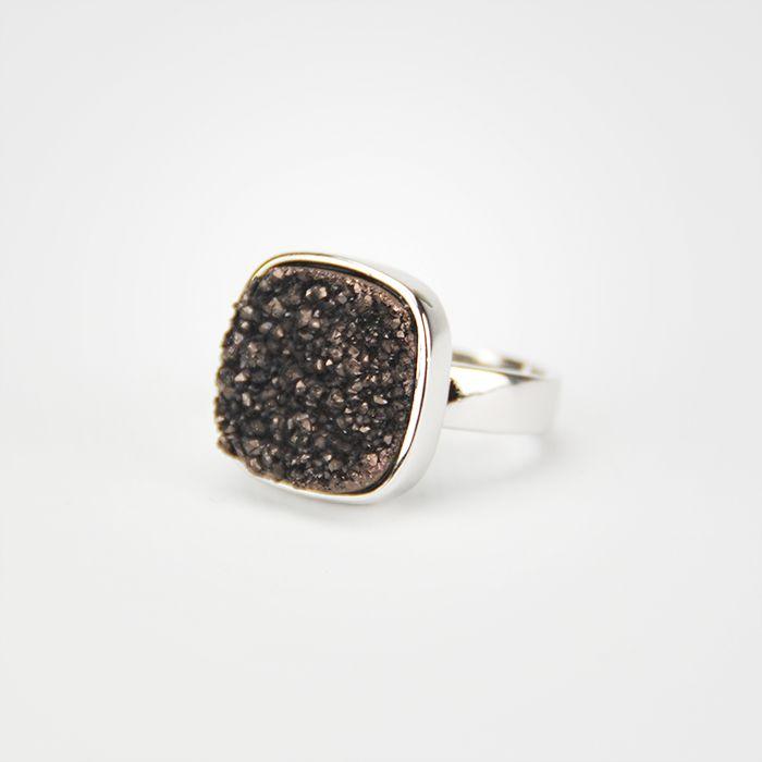 http://www.collectorsdock.com/product/vierkante-druzy-agaat-ring/ €9,95 i.p.v. €19,95  http://www.collectorsdock.com/product/ovale-druzy-agaat-ring/ €9,95 i.p.v. €19,95