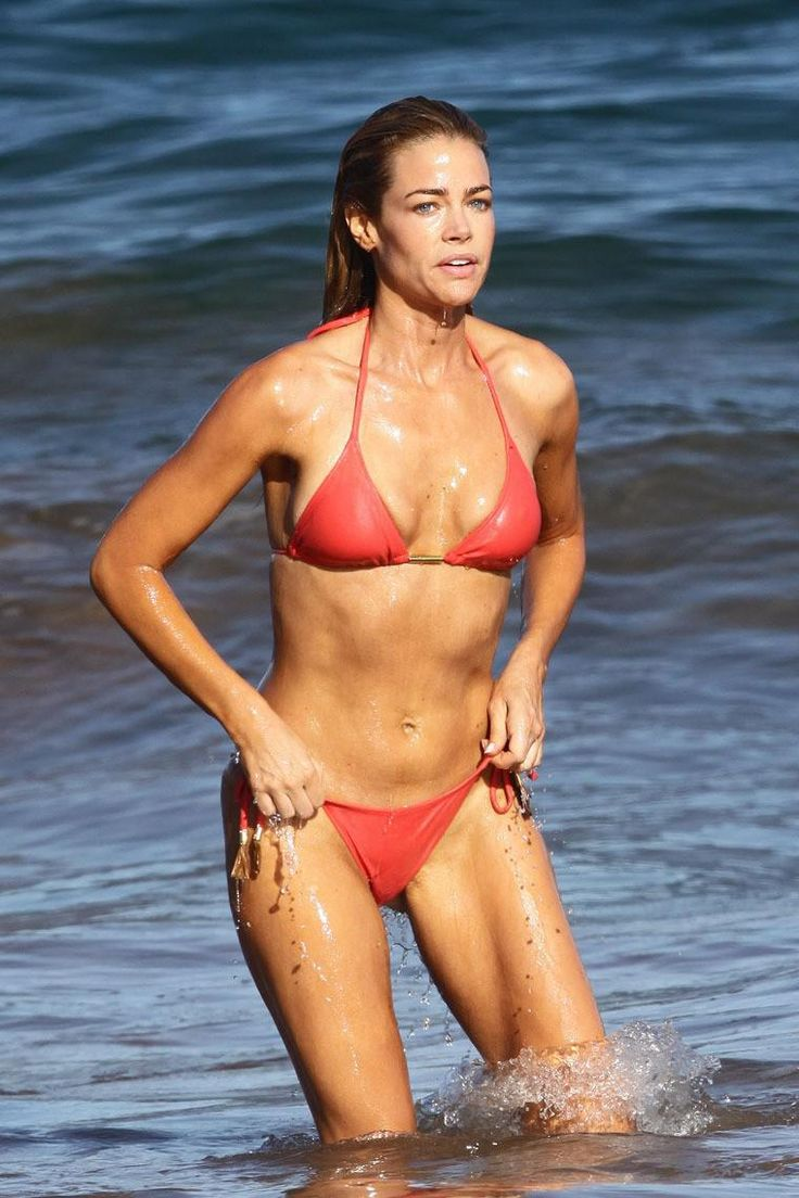 Denise Richards bikini cameltoe - Album on Imgur