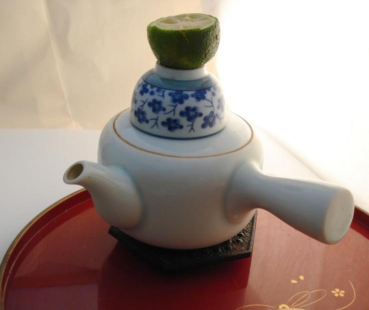 steamed soup served in a teapot (dobin mushi)