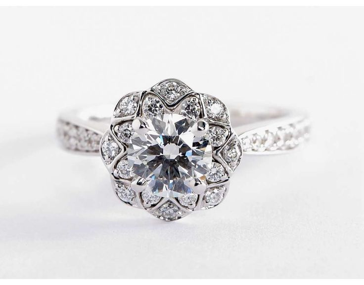 1.05 Carat Diamond in the Truly Zac Posen Scalloped Floral Halo Engagement Ring | Blue Nile