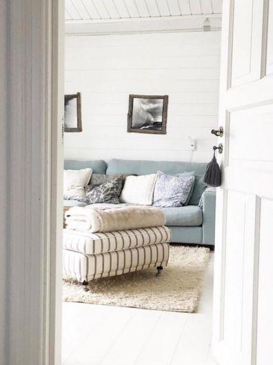 Turkos Valen soffa. Djup soffa, låg soffa, linne, linnetyg, vardagsrum, inredning. http://sweef.se/soffor/111-valen-soffa-i-linne.html