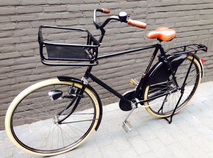 Daan's oude nieuwe fiets. Opgeknapte Gazelle van 40 jaar oud..