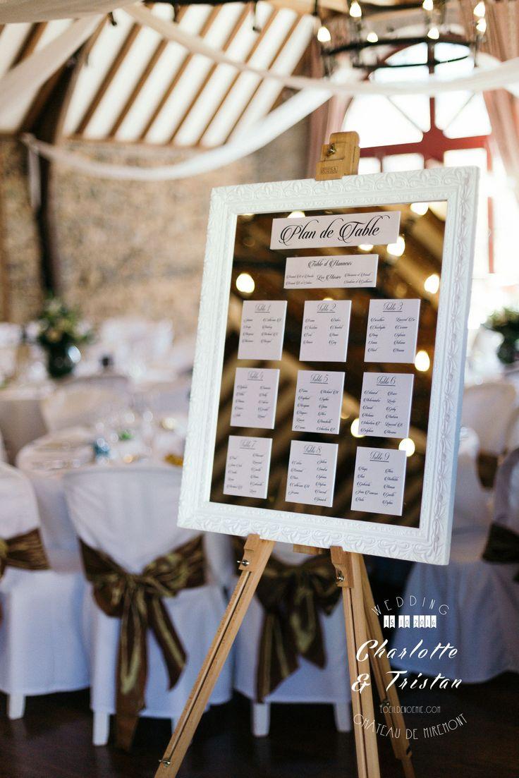 photo de plan de table original, avec miroir, château de miremont, L'oeil de Noémie photographe mariage Clermont-Ferrand en Auvergne