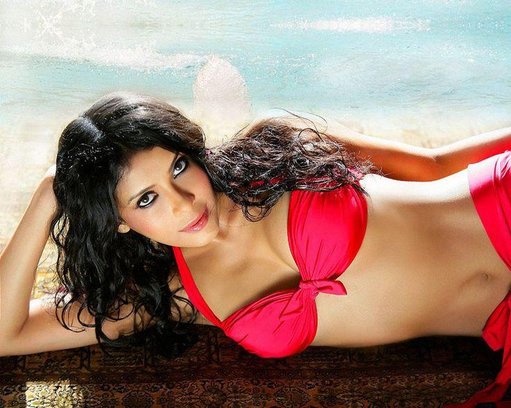 Desi bangladeshi wife watches tv lover palay her boobs ass - 3 4