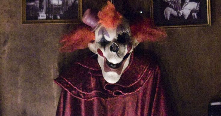 Creepy clown craze sweeping the UK has been inspired by some of this TOP TEN killer clown movie list - Mirror Online
