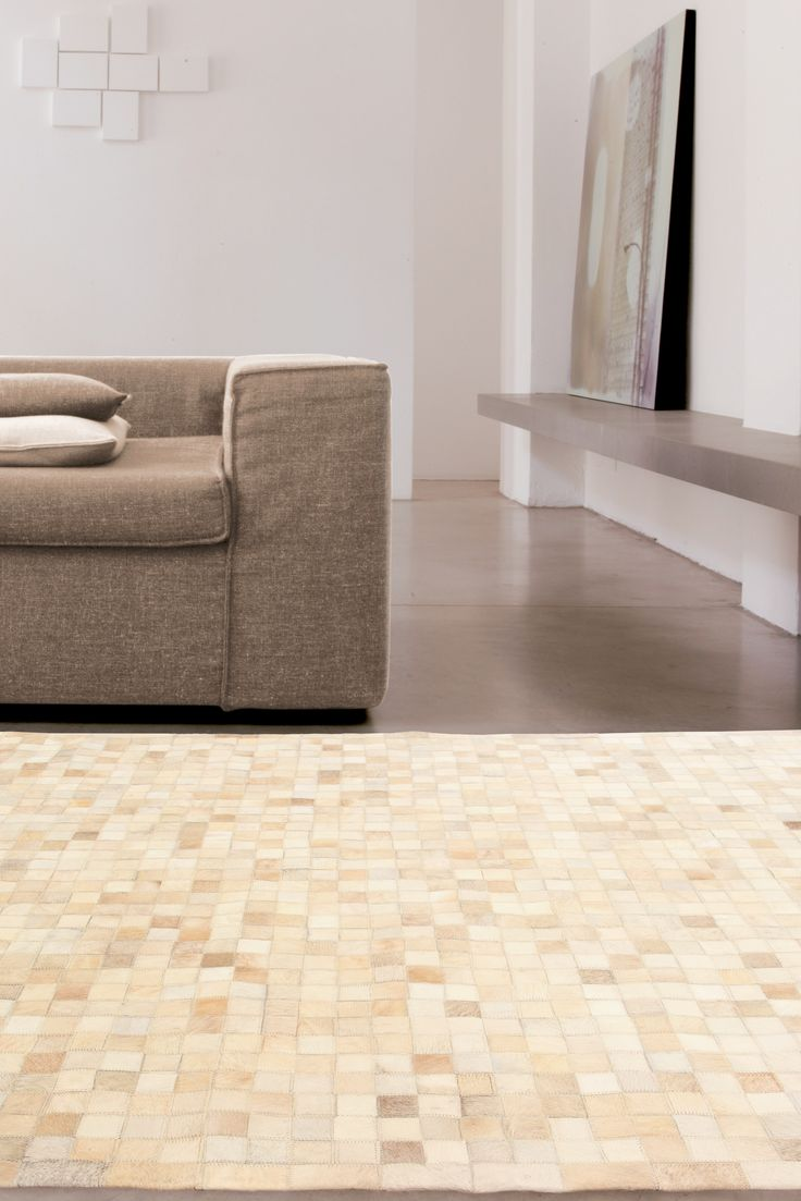 LEATHER PATCHWORK MOSAIC BEIGE RUG - Brand News 2017. More than a simple carpet: the perfect furnishing detail for audacious but elegant living rooms and bedrooms