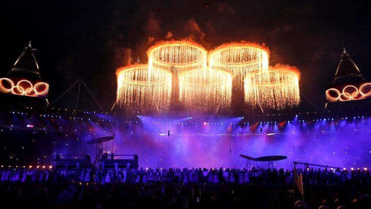 Avajaiset ovat tärkeä osa Olympialaisia ja nykypäivän avajaisissa on otettu vaikutteita antiikin ajan avajaisista. Avajaisten taidepuoleen täytyy saada International Olympic Comitteen (IOC) hyväksyntä.
