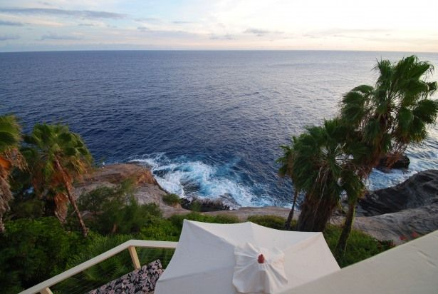 Enjoy this view from this vacation rental in Oahu. #vacationhomerentals