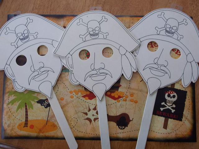 Coloring masks at a Pirate Party #pirateparty #masks