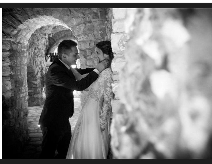 Un grosso augurio alla nostra sposina MariaGrazia! ♥ Stupenda! #wedding #day #oggisposi #love #amore #dday #forlove #benevento #dress #white #instaphoto #blackandwhite