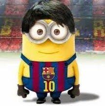 Dit is natuurlijk Lionel Messi, hij voetbalt bij FC Barcelona met rugnummer 10 en heeft al 5 keer de gouden bal gewonnen