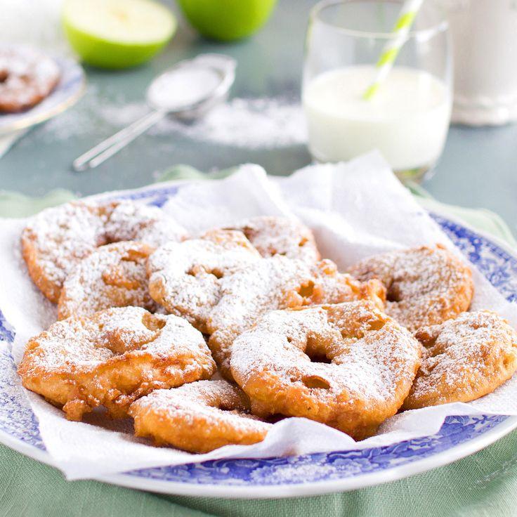 The Kiwi Cook   Appelflappen (Dutch Apple Fritters)   http://thekiwicook.com