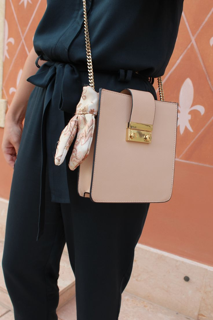 ZARA crossbody nude handbag with scarf. Jumpsuit in forest green.   More details: https://www.vickytzo.gr/single-post/2017/09/08/Calzedonia-Leg-Show-2017  Instagram: vicky_tzo