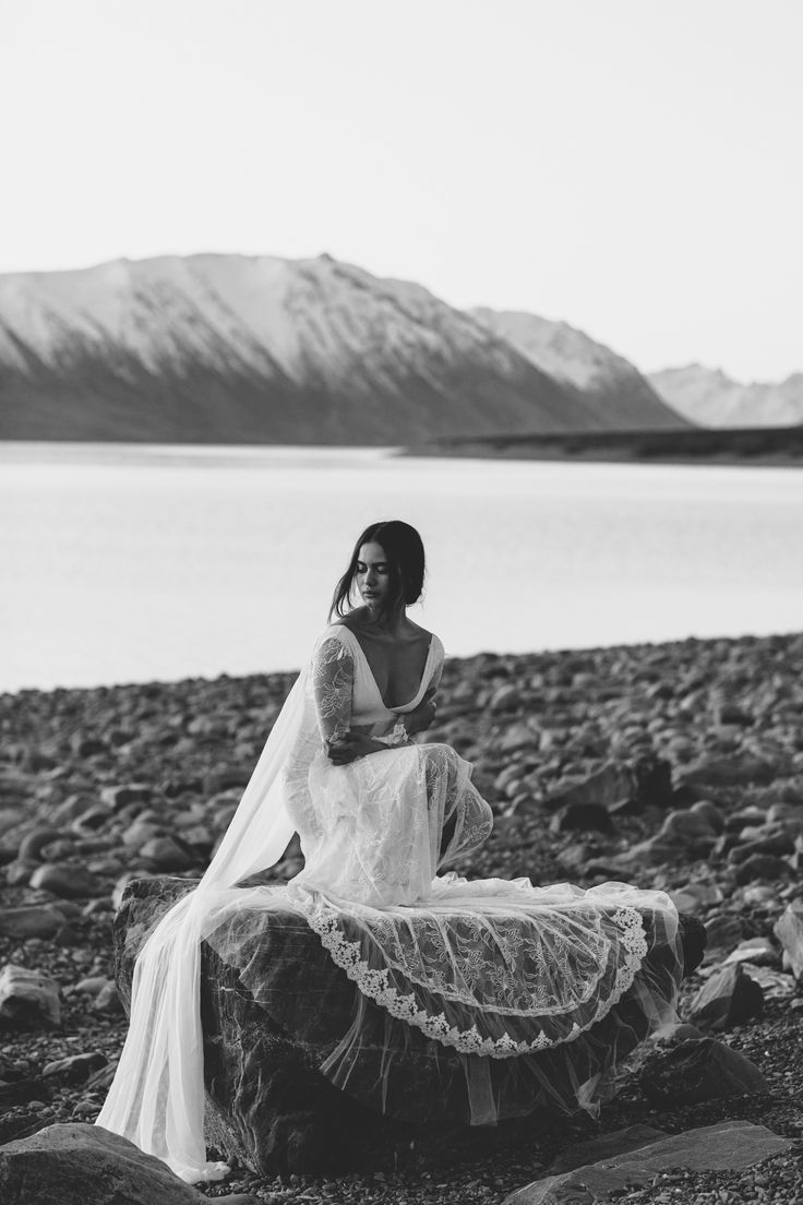 Francis | Grace Loves Lace | The Oracle Editorial #bohoweddingdress #bohemianweddingdress #laceweddingdress
