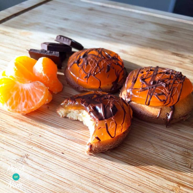 Here at Pinch of Nom we've been talking about a Slimming World friendly version for a few days now. So here's our 1 Syn Each Jaffa Cakes recipe.
