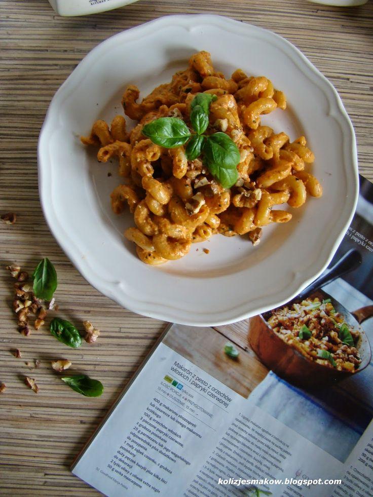 Pyszne domowe pesto z pieczonej papryki i orzechów włoskich z dodatkiem makaronu i serka mascarpone. Po przepis zapraszamy na bloga :)