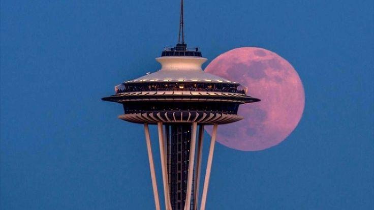 Luna şi Acul Spaţial 1 - Seattle, statul Washington, SUA