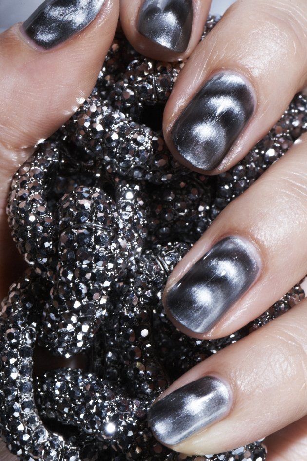 Amazing #mani alert! {Nails Inc. Must Haves 4-piece Nail Polish Collection}