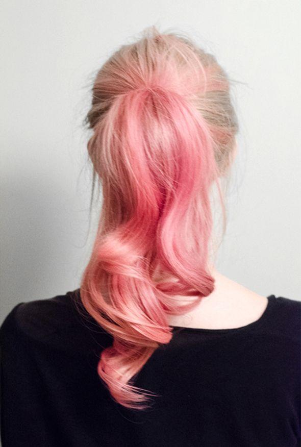 """Com deixar o cabelo rosa """"algodão doce""""! http://deborahsoler.blogspot.com.br/2016/06/keraton-hard-colors-panty-rose.html"""