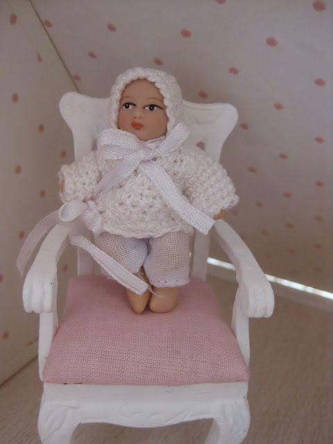 crochet outfit for dollhouse baby