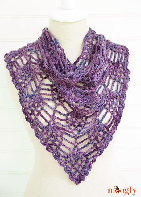 Make It Crochet | Your Daily Dose of Crochet Beauty | Free Crochet Pattern: Berry Harvest Bandana Cowl