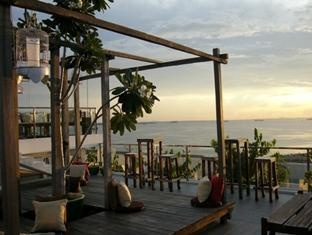 Nak Hotel Sandakan - Roof Terrace  about 30 per night with breaky