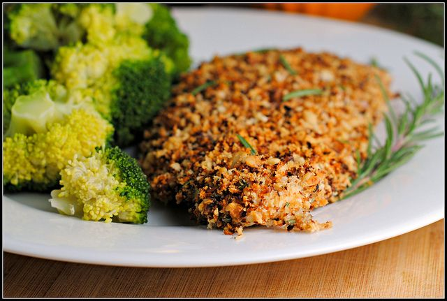Walnut- Rosemary Oven Baked Chicken | OMNOMNOM!!! | Pinterest
