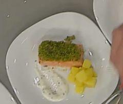 Salmone gratinato con pane verde