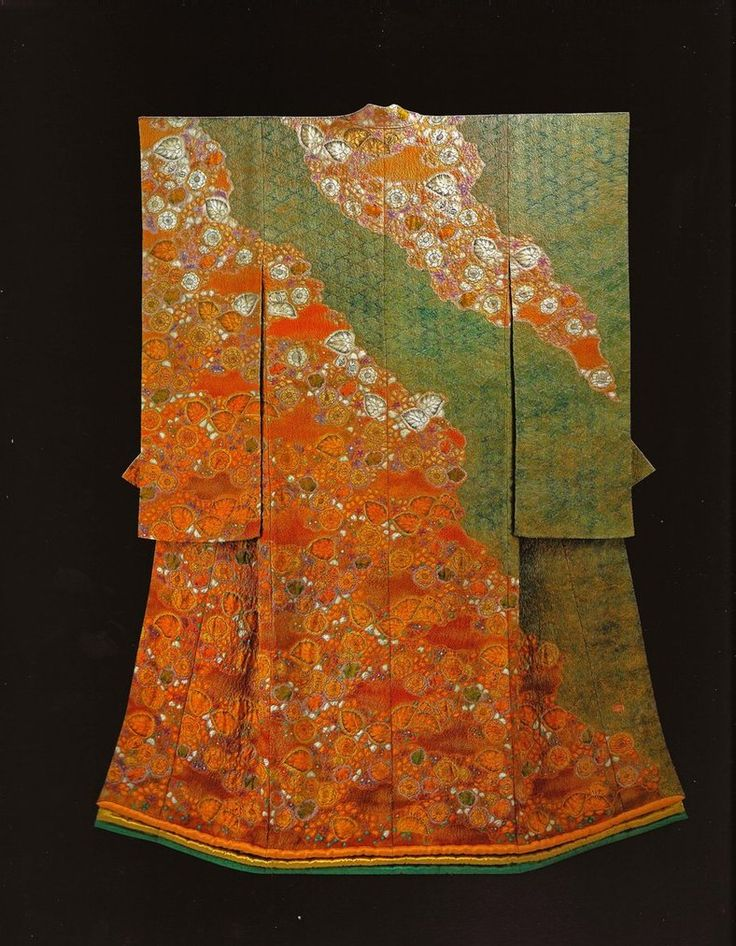 Masses of Blooming Hollyhock (1998) by the Late Japanese textile artist Itchiku Kubota(1917-2003) form the exhibition,Kimono as Art: The Landscapes of Itchiku Kubota, Canton Museum of Art in Canton, Ohio