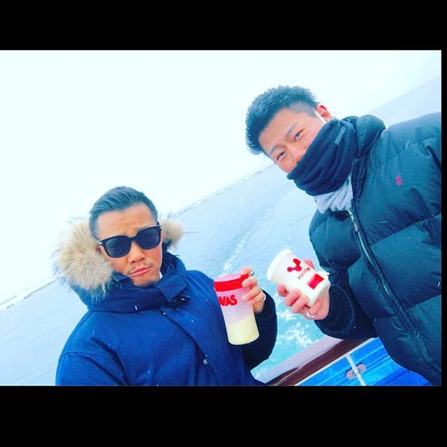 【kaitokihara】さんのInstagramをピンしています。 《オホーツク海で雪の降る氷点下の中プロテインを飲んだのは多分俺らが初だろーな(笑) やっぱりプロテインはどこで飲んでもプロテインでした(笑) #北海道 #プロテイン #オホーツク海 #網走 #オーロラ号 #protein  #savas #バルクアップ #海 #workout  #kentai》