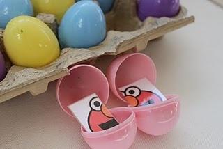 Memorie met plastieken eieren