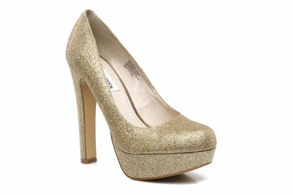 ¿Dónde puedo comprar unos zapatos dorados de ensueño?