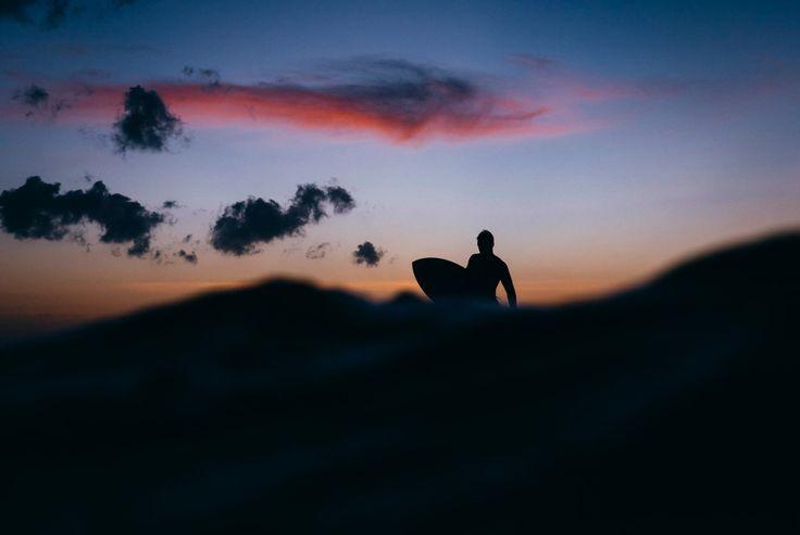 Neptunear: meterse en agua salada cambiando el tridente por tu juguete favorito. ............. Fot.: KLunholm #uluwatu #bali #indonesia #surf #surfing #surfer #surfstyle #ola #wave #agua #water #oceano #ocean #mar #sea #deporte #sport #naturaleza #nature #musica #music .............  Led Zeppelin - Whole Lotta Love