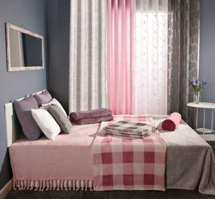 W zimowym sezonie najlepszą dekoracją  do sypialni stają się pastelowe dodatki #pastel #bedroom #interior #design #wnetrze #inspiration #rose #grey #violet #winter #obipolska #obibowarto