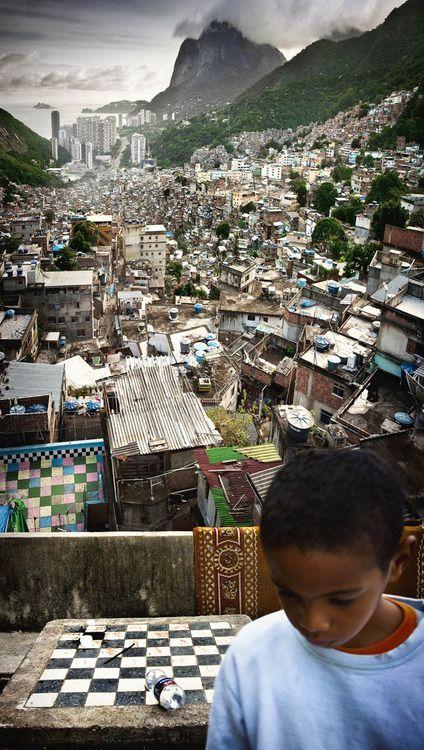 Cidade de deus parece lixo. the real Rio