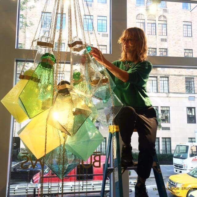 Swedish Artist Frida Fjellman installs her stunning Glass Chandelier at the Manhattan Gallery Hostler Burrows. Photo: Hostler Burrows.