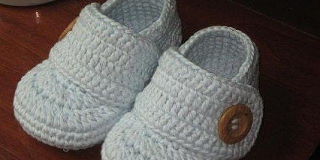 Tığ işi bebek patik yapımı erkek bebekler için