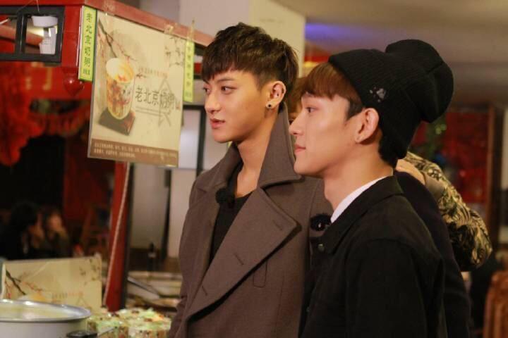 150409 Ding Ge Long Dong Qiang Weibo update - TAO & CHEN