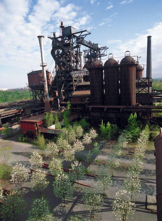 06-Blast-Furnace-Park-Cowperplatz « Landscape Architecture Works | Landezine