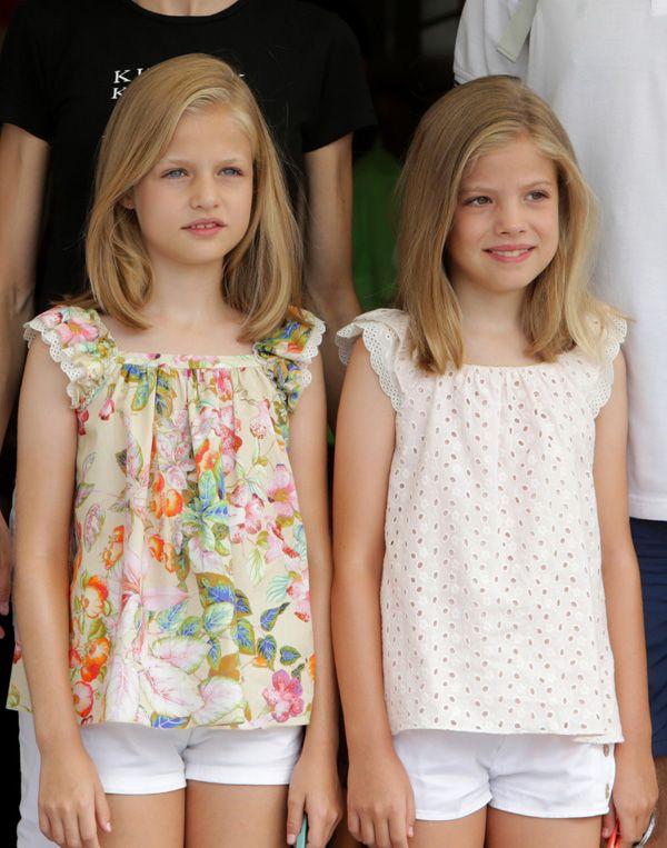 Los reyes Felipe y Letizia acuden a la última jornada de regatas con sus hijas - Foto 2
