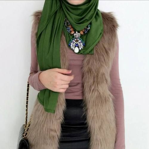 mocha-fur-vest-with-green-hijab