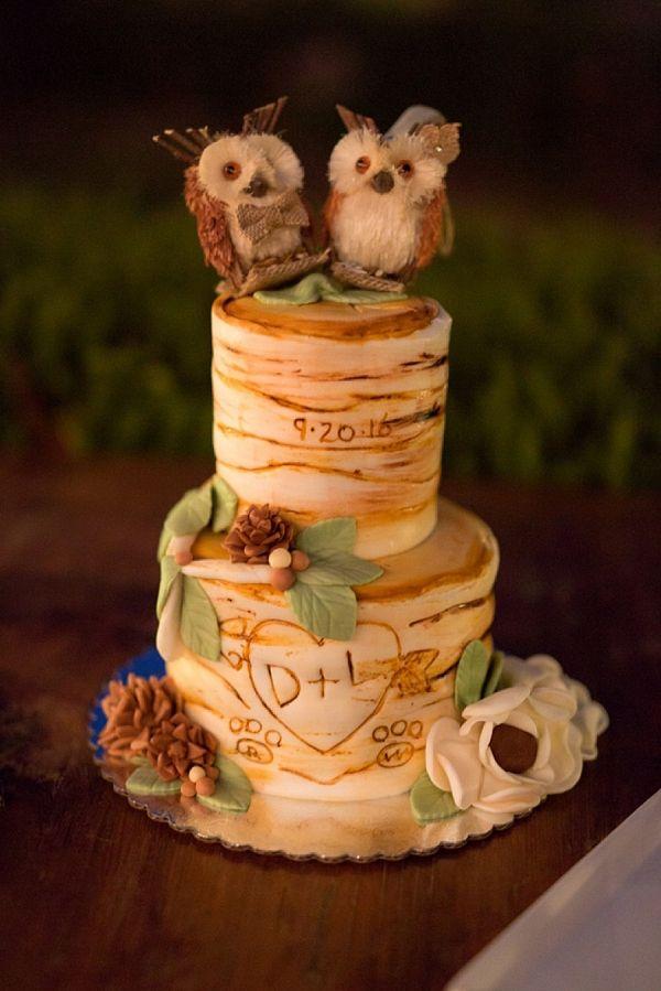 Rustic wedding cake on The Budget Savvy Bride